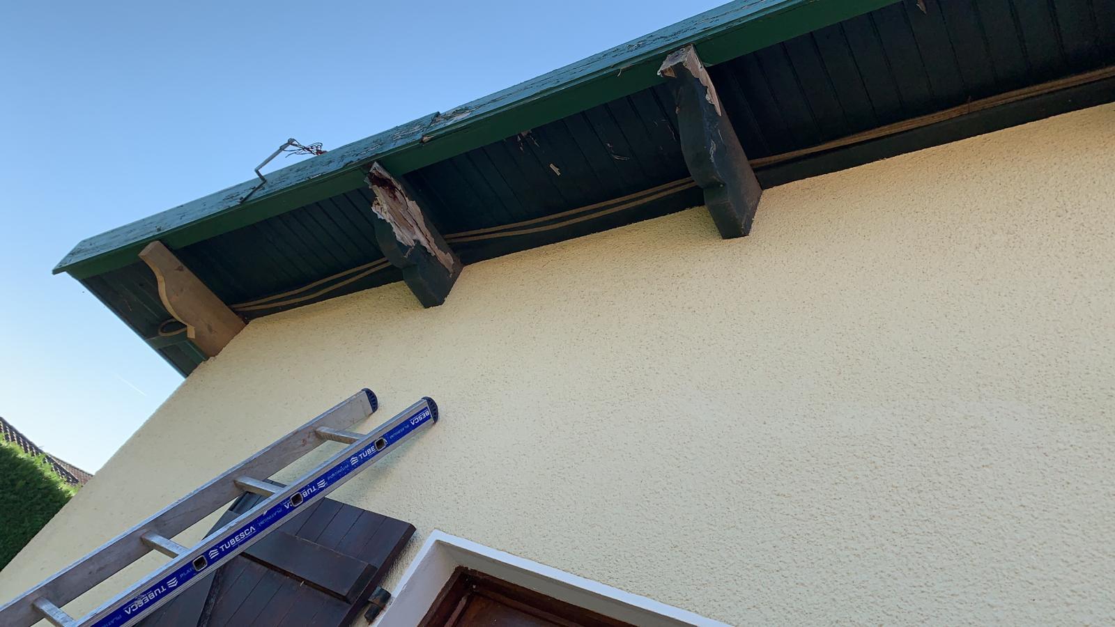 Avant remplacement avant-toit